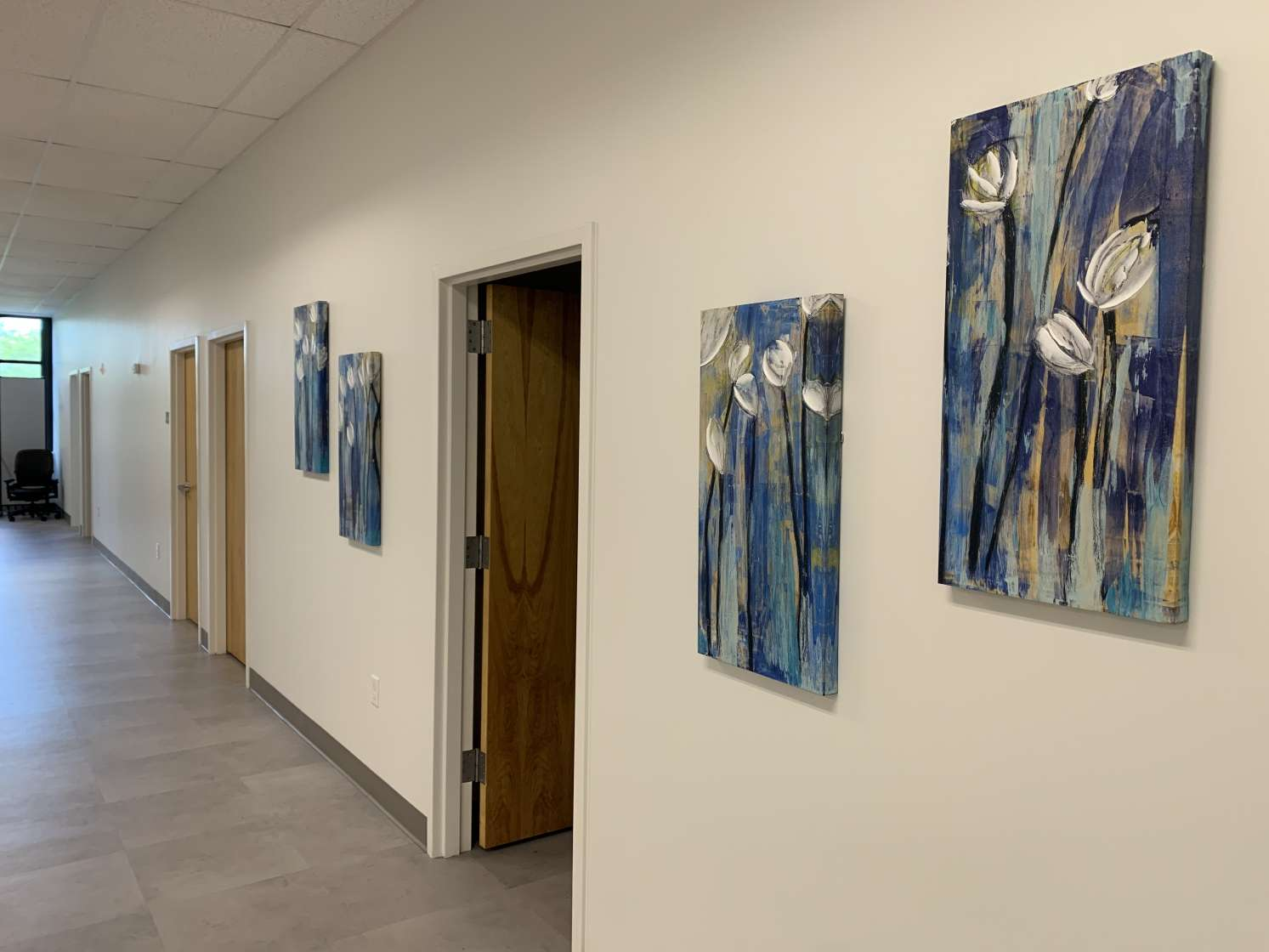 Image of artwork that was purchased using the gift donated by UF DPT alum Dr. Arlyn Thobaben
